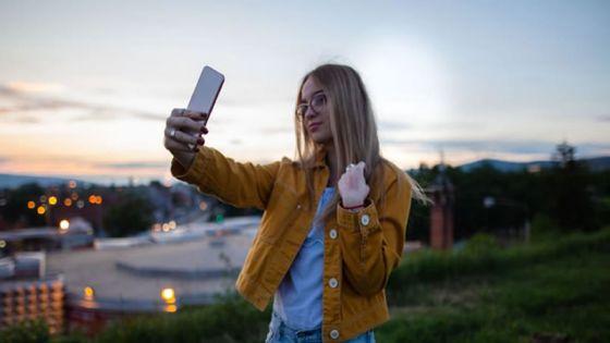 Selfies, retouches et estime de soi ne font pas bon ménage