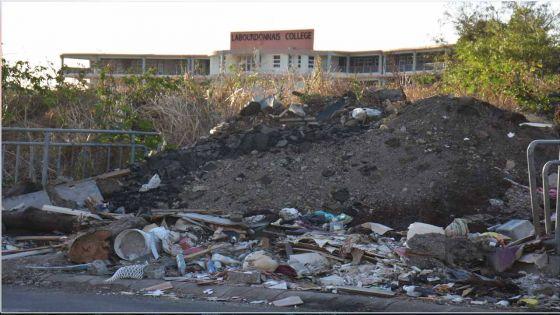 Sofia Lane, Vallée-des-Prêtres - Gros problème environmental à proximité de trois collèges