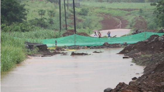 [En images] Fond-du-sac : la montée des eaux ravive de douloureux souvenirs