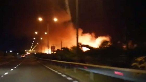 Grand-Baie : des champs de canne ravagés par les flammes