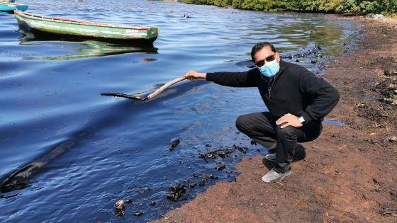 [En images] Fuite d'huile du Wakashio : marée noire à Rivière-des-Créoles