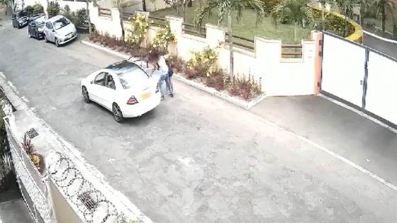 Flic-en-Flac – Deux hommes la forcent à entrer dans une voiture : la jeune femme s'explique