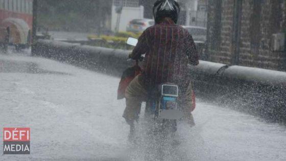 Météo : un avis de fortes pluies et de vents forts en vigueur à Maurice
