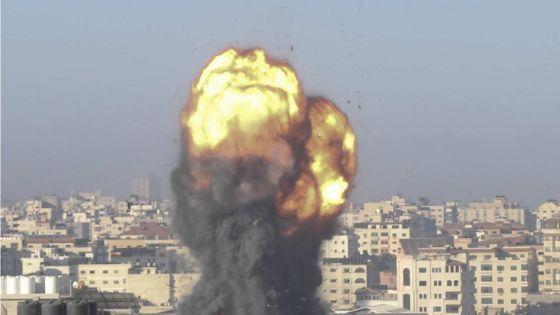 Gaza : 10 personnes d'une même famille tuées dans une frappe israélienne