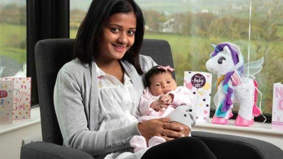 Le frontières étant fermées, elle accouche en Irlande : Gimee Etwarysing espère rentrer avec sa fille Leah pour Noël