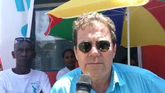 Des métayers manifestent devant l'usine de Bois-Chéri: ils réclament leurs salaires