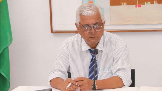 Cas local de contamination à la Covid-19 : «Ena kikenn ki kapav pozitif dan lakominote ki pe donn sa», estime le Dr Vasantrao Gujadhur