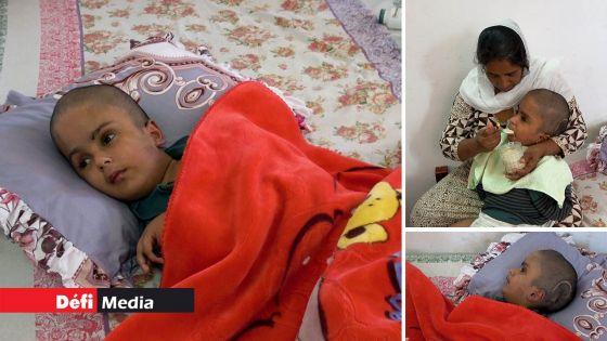 Moozamir, 15 ans, vit comme un bébé : sa mère salue la générosité des Mauriciens