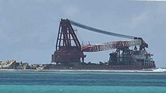 Pointe-d'Esny : reprise des travaux de démantèlement de la poupe du MV Wakashio