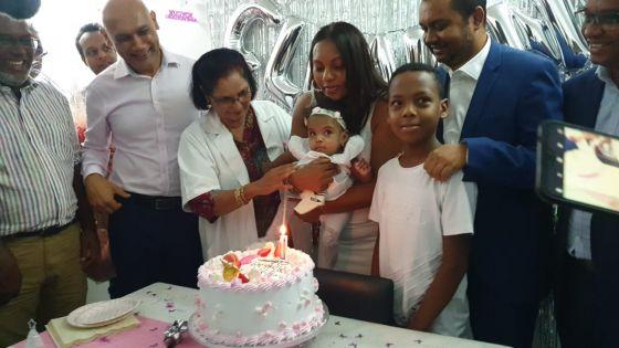 Le bébé miraculé mauricien fête son premier anniversaire : une nouvelle intervention chirurgicale prévue le mois prochain
