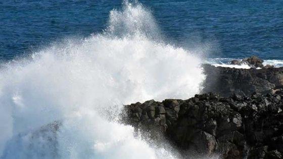 Communiqué spécial : des houles pouvant atteindre 6 mètres attendues, 4 régions de Maurice à risque