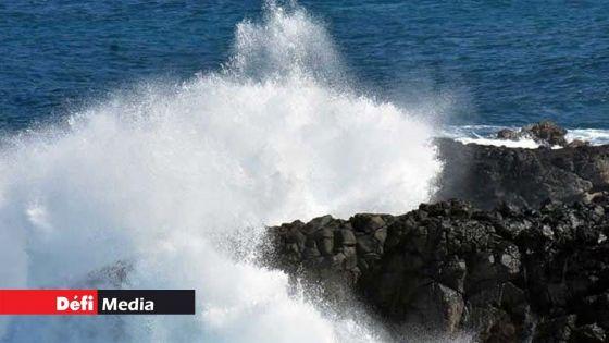 Météo : avis de fortes houles sur Maurice et Rodrigues à partir de midi ; des houles de 4 mètres attendues