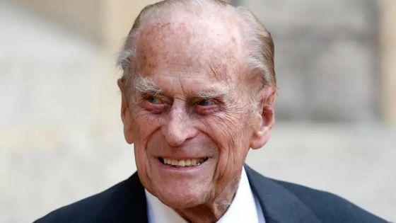 Le prince Philip, époux d'Elizabeth II, hospitalisé par précaution