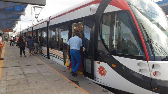 Metro Express : une étudiante allègue avoir été refoulée