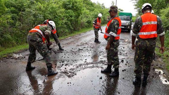 Avis de fortes pluies : les soldats de la SMF à pied-d'œuvre