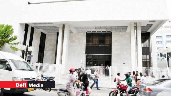 Cour intermédiaire : le voleur masqué écope de trois ans de prison