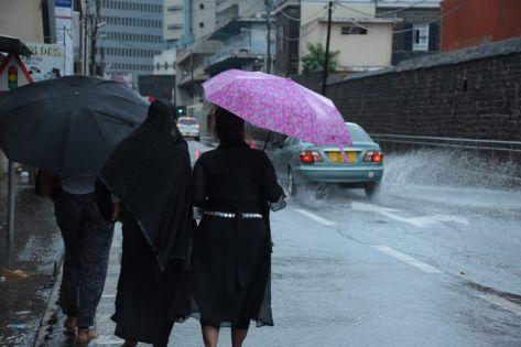 Maurice sous alerte de fortes pluies et de vent fort ce dimanche