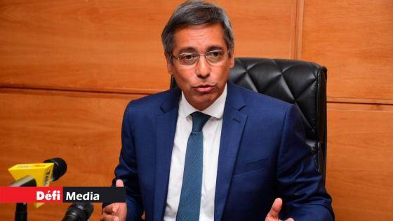 Xavier-Luc Duval se dit choqué par le «manque total de discipline chez beaucoup de Mauriciens»