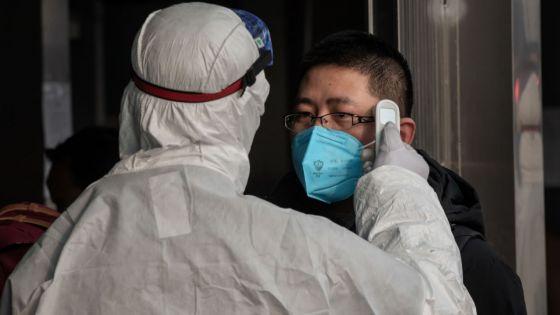 Virus : plus de 100 morts en Chine, la contagion s'accélère à l'étranger