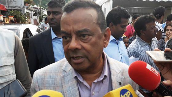 Trèfles : Ivan Collendavelloo annonce un projet de loi pour protéger les travailleurs