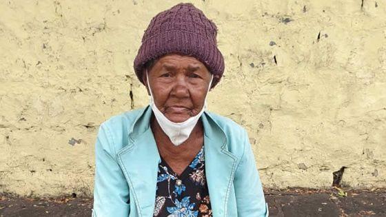 Jaqueline, 82 ans, fait la manche pour scolariser son petit-fils : «Si mo mor mo pa kone ki pou ariv li»