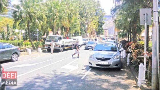 Port-Louis : un véhicule de la police percute une voiture