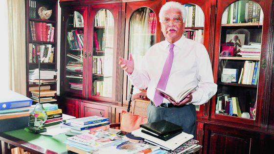 Jean-Claude de l'Estrac critique la gestion de Roshi Bhadain : «C'est l'histoire d'une grosse magouille»