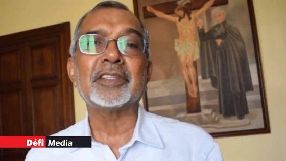 Le père Jean-Maurice Labour s'élève contre un reportage de la MBC