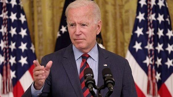Biden appelle à vacciner le monde, New York à l'avant-garde du pass sanitaire