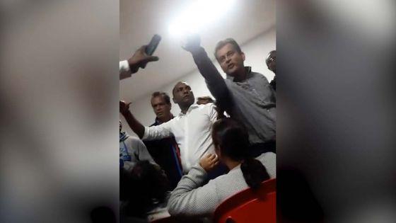 No 13 : vif accrochage entre Zouberr Joomaye et un agent politique