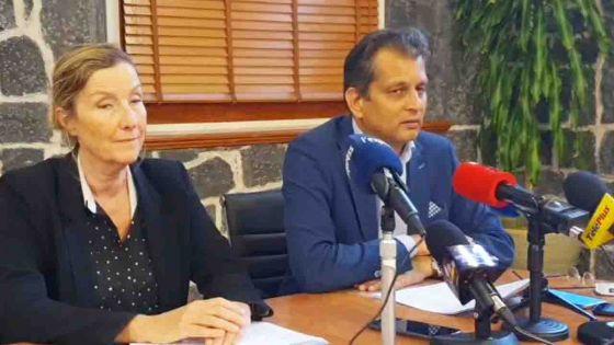 Covid-19/frontières : en direct du PMO, suivez en direct la conférence de presse du Dr Joomaye et du Dr Gaud