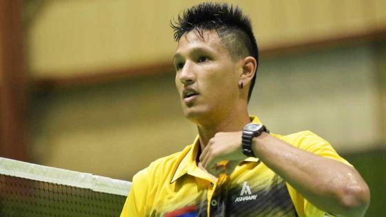 JIOI - Badminton : victoire du badiste mauricien, Julien Paul, qui se défait facilement de son adversaire seychellois