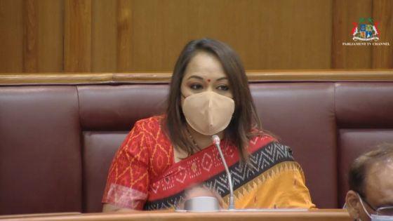 «Le petit Ayaan aurait pu être sauvé si on avait dit qu'il était victime de maltraitance», dit la ministre Kalpana Koonjoo-Shah