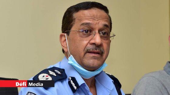 Le Commissaire de Police face à la presse ce matin