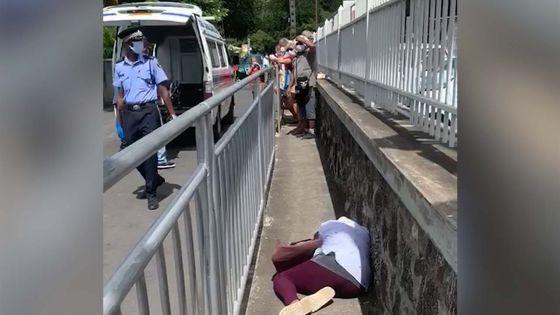 Files d'attente devant les supermarchés : une dame prise de malaise à Pérébeyre