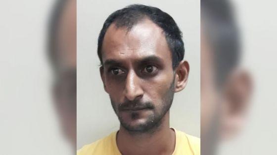 Pamplemousses : un homme arrêté pour avoir épié un couple dans son bain