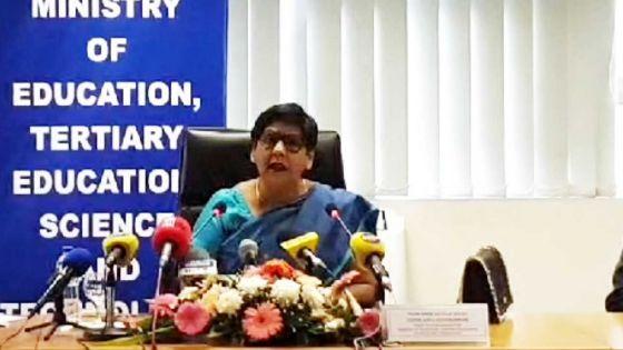 Reprise des classes par phases : suivez en direct la conférence de presse de la ministre de l'Education