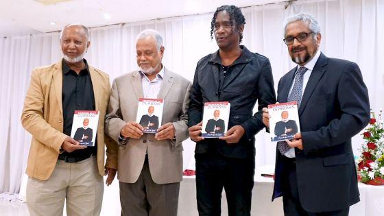 Haroon Durbass, ex-enseignant de PE au collège St-Joseph, lance sa biographie