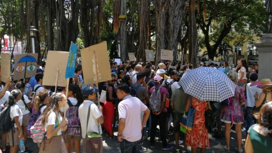 Lutte contre le réchauffement climatique : grosse mobilisation des jeunes au Jardin de la compagnie