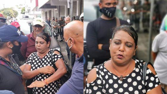 Une femme tient tête à la police : «Mo pa pou bouze !»