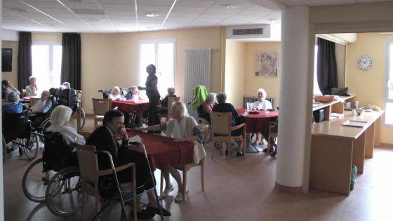 Maltraitance dans les maisons de retraite : contrôles renforcés pour assurer le bien-être des aînés