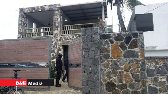 Maisons de « luxe » perquisitionnées à Grand-Gaube : les propriétaires devront retourner à l'Icac pour s'expliquer sur la source de leurs revenus