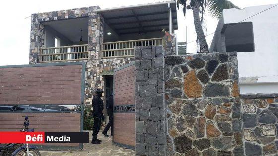 Maisons de luxe perquisitionnées à Grand-Gaube : les explications des propriétaires n'ont pas convaincu les enquêteurs