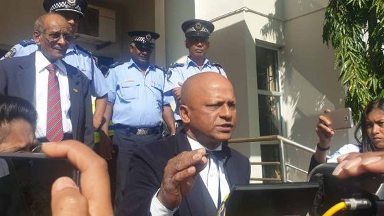 Nomination Day : le leader du Parti Malin veut savoir s'il va récupérer sa caution