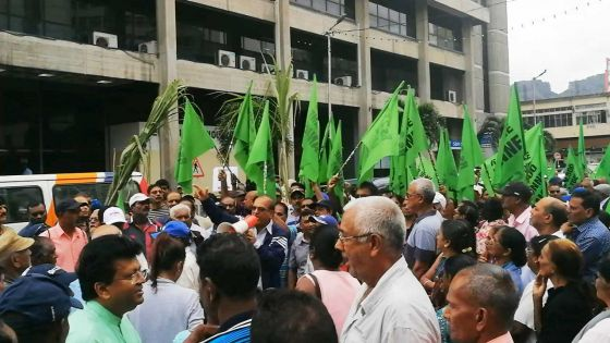 Port-Louis : manifestation des membres du mouvement Ti-Planteur Cannes