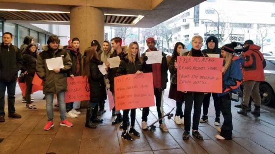 Canada : Embauchés comme figurants, ils réalisent qu'ils participent à une vraie manifestation