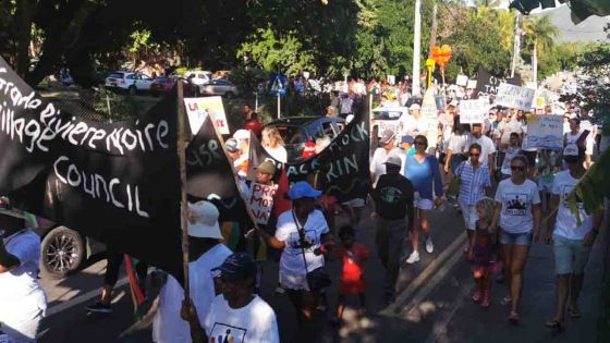 Tamarin : Manifestation contre le projet immobilier sur la montagne La Tourelle
