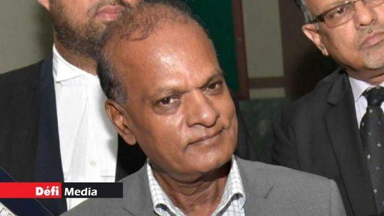 Prakash Maunthrooa ne pourra pas quitter le pays