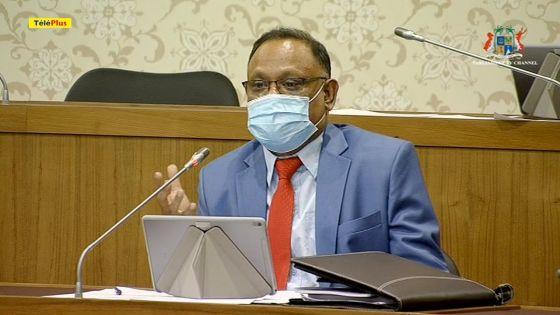 Mahend Gungapersad s'insurge contre l'abattage de 180 filaos à Mon Choisy