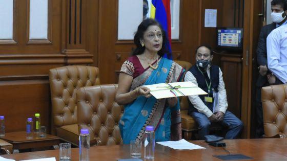 Maya Hanoomanjee accréditée Haut-commissaire de Maurice en Inde